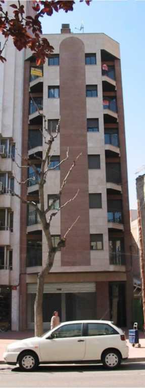 2002- Edificio Daphne