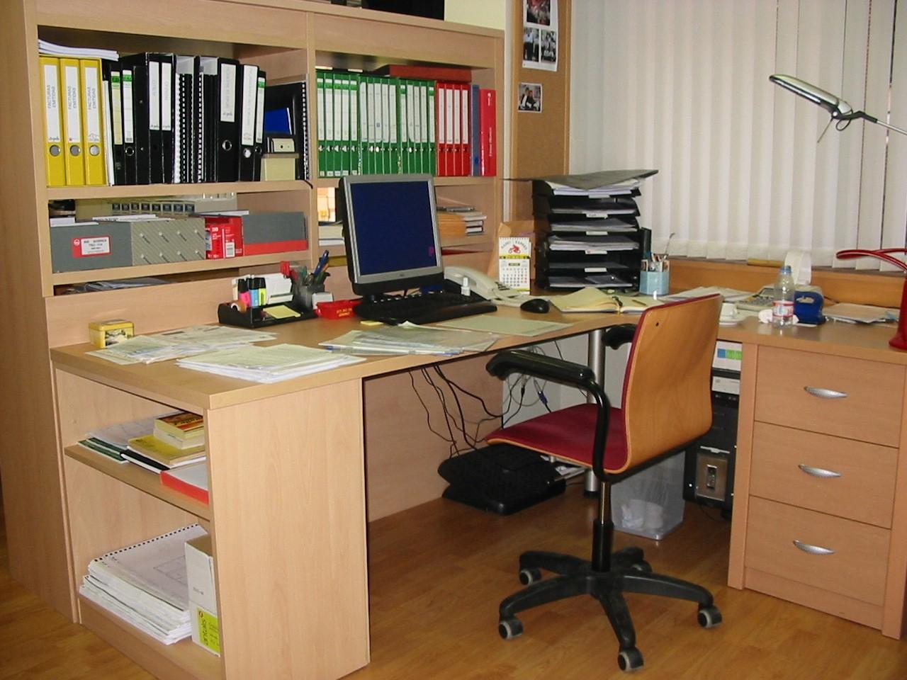 Equipo humano grup pcb for Equipo de oficina