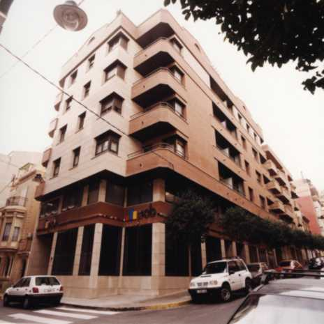 2003- Edificio Combelles